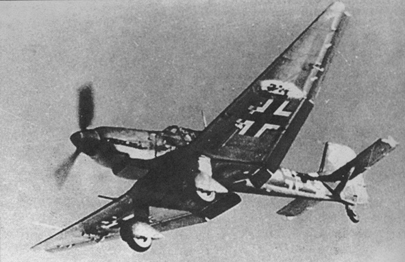 http://www.aviarmor.net/aww2/_photo_aircraft/f_ger/Ju-87/Ju-87D-5.%20T6+AS.%20St.G%202.%20East%201943.jpg
